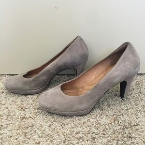 super cheap compares to utterly stylish hot-selling authentic Clarks Dalia Rose Heels - Taupe Suede